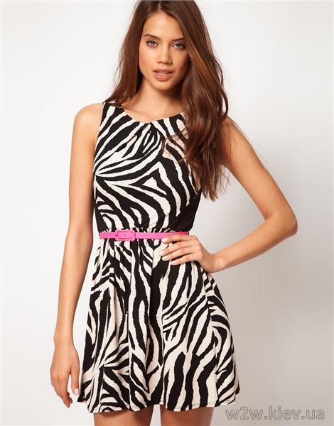 Платье с принтом зебры