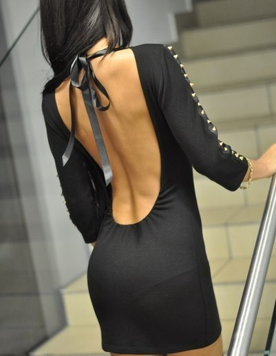 Фото со спины без лица в платье